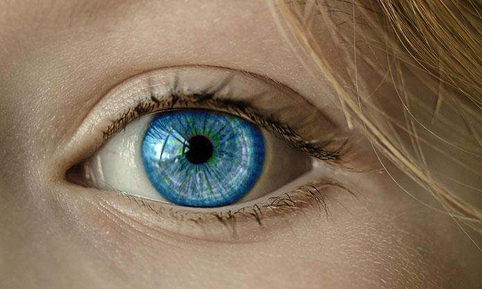 pielęgnować skórę oczu