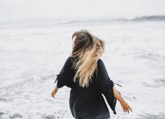 Jak pielęgnować doczepiane włosy
